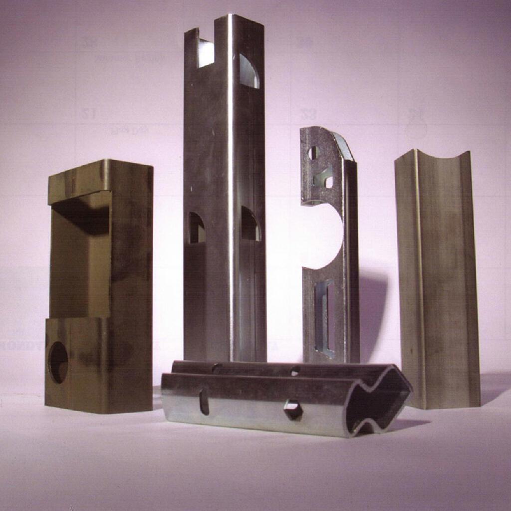 低碳钢和不锈钢管切割使用管激光