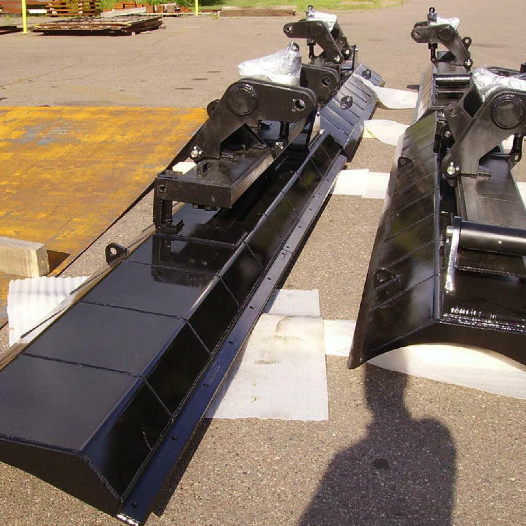9.轧制、成型、机加工、焊接、喷漆和完全组装的轨道维护设备